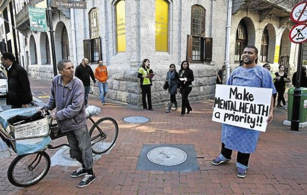 Picketing in Cape Town, South Africa. Image by Halden Krog